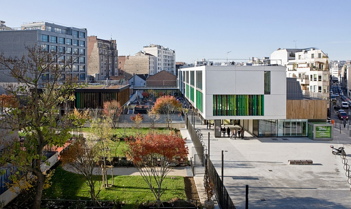 Ecole, gymnase et jardin public Maître Jacques
