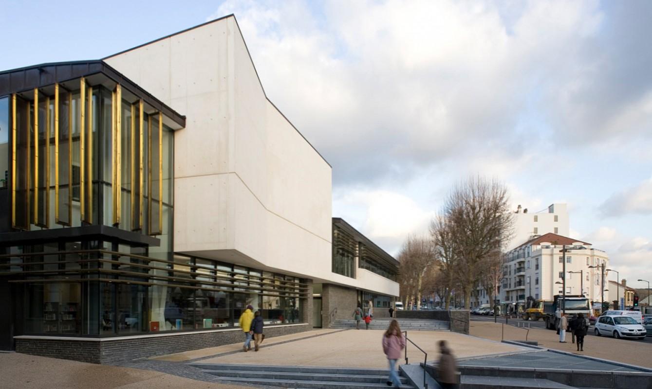 Bibliothèque et auditorium